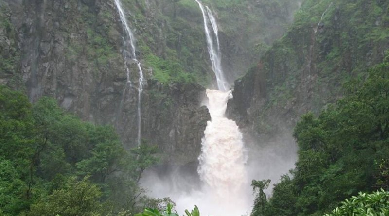 Dhobi Waterfalls